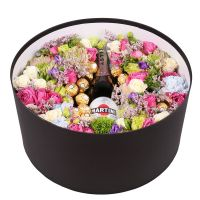 Букет Box with flowers and champagne
