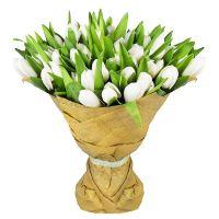 Заказать букет белых тюльпанов 52 шт. с доставкой в любой город Украины и мира.