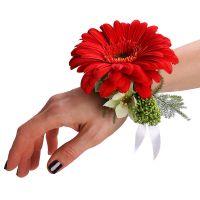 Заказать цветочный браслет из красной герберы в интернет-магазине