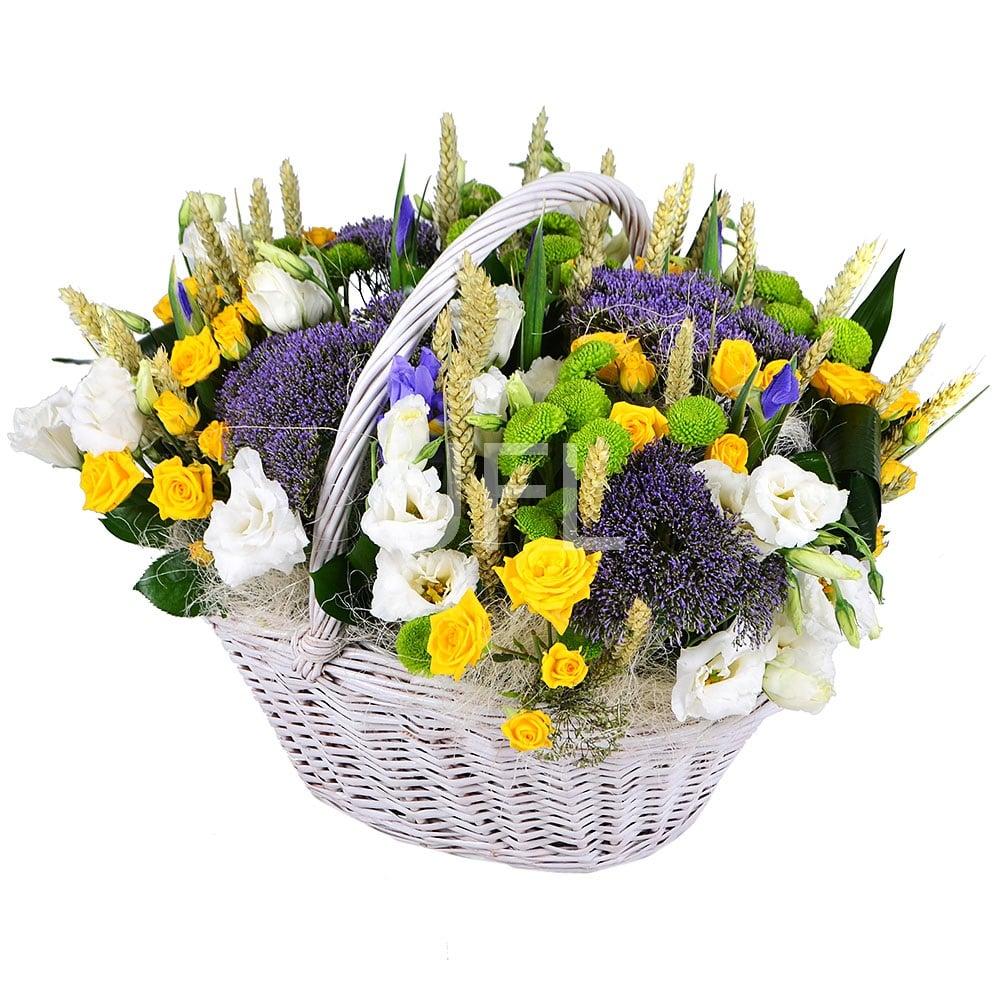 Где можно заказать красивую корзинку цветов подарок на 8 марта подругам