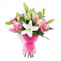 Букет из лилий и роз с доставкой. Красивый бело-розовый букет.