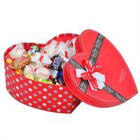 Конфеты в коробке в виде сердца «Коробочка радости»