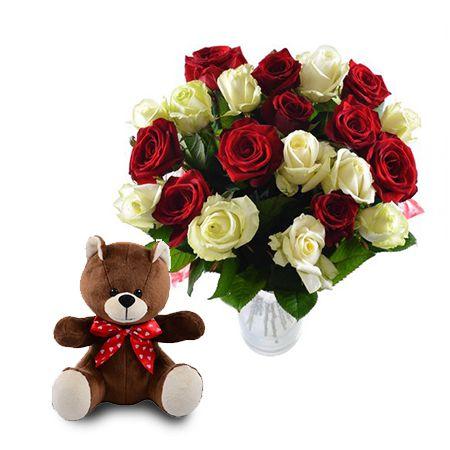 Букет Красно-белые розы + мишка в подарок