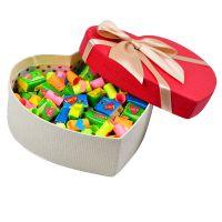 Купить «Любовь в сердце» - жевательные резинки Love is в коробке-сердце