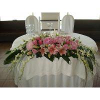 Заказать красивую свадебную композицию на стол в интернет-магазине с доставкой.