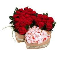Заказать букет «Два сердца (с рафаэлло)» с доставкой в любой город Украины и мира