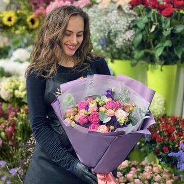 Букет от флориста: цветы+доставка Хинтербрюль