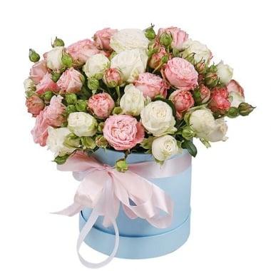 Кустовые розы в коробке Ольденбург