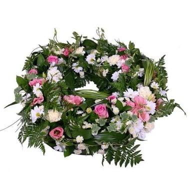 Ритуальный венок из цветов Киев