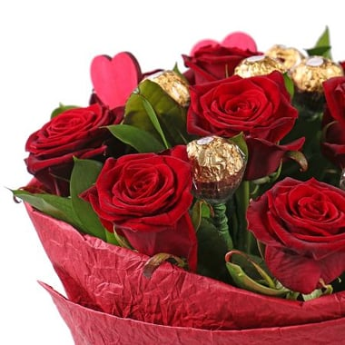 Идеальное предложение 11 бордовых роз Арыс